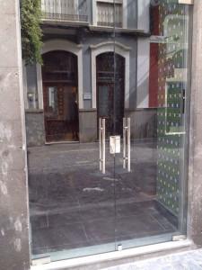 Reparamos puertas de comunidades , Cerrajería en Monovar 24 Horas urgente