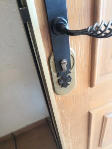 Apertura de Puerta por fallo de la cerradura , Cerrajeros Elda y Petrer 24 horas