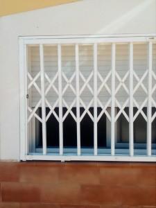 Instalamos rejas extensibles  en Gran Alacant