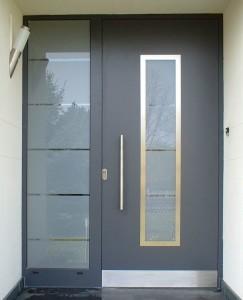 Cambiamos todo tipo de sistemas de puertas de acceso a la vivienda en Santa Pola