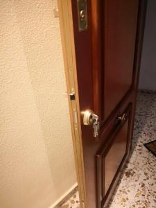 Cambiamos cerraduras de puertas blindadas en Gran Alacant las 24 horas
